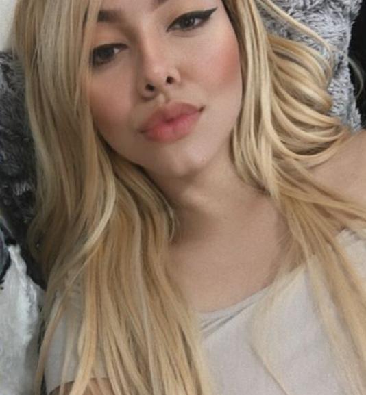 Bilingual Tattooed Cam Girl Jennifer Miller
